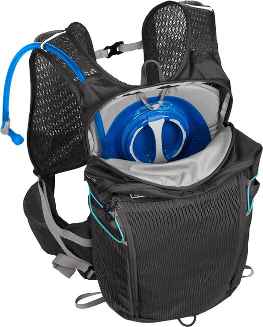 Octane 25 70 oz Hydration Pack