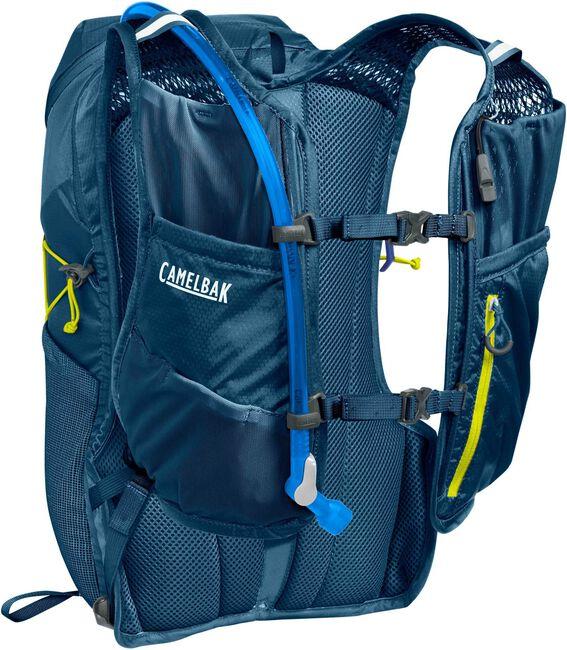 Octane™ 18 70 oz Hydration Pack